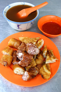 Plate of fried fritters (3 pieces for RM2.20) & red bean soup, RM1.00