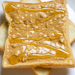 Crunchy peanut butter + golden honey = yummy!