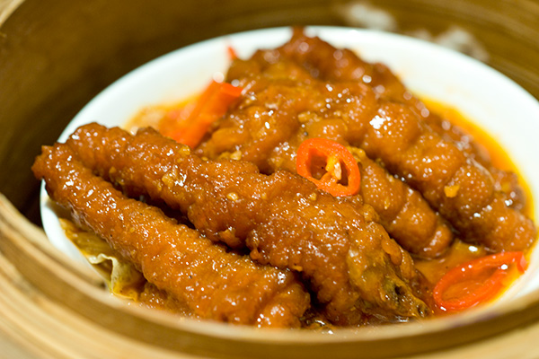 Steamed Chicken Claws in Spicy Sauce