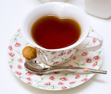 Heart-shaped tea cup
