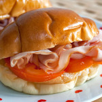 Butter rolls with ham & tomato