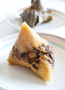 Pyramid-shaped glutinous rice & pork dumpling