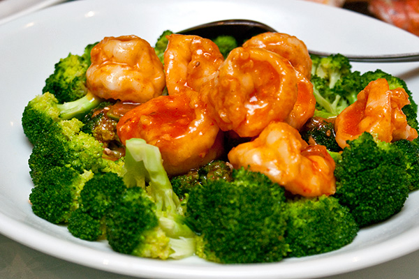 Sauteed Prawns with Broccoli in Spicy Sauce 辣汁虾球西兰花