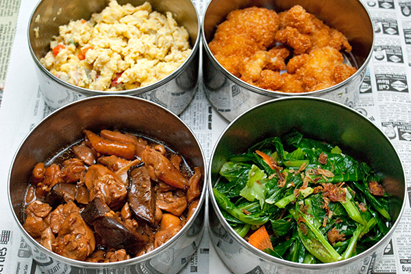Tingkat dinner delivery from Hong Choo Catering