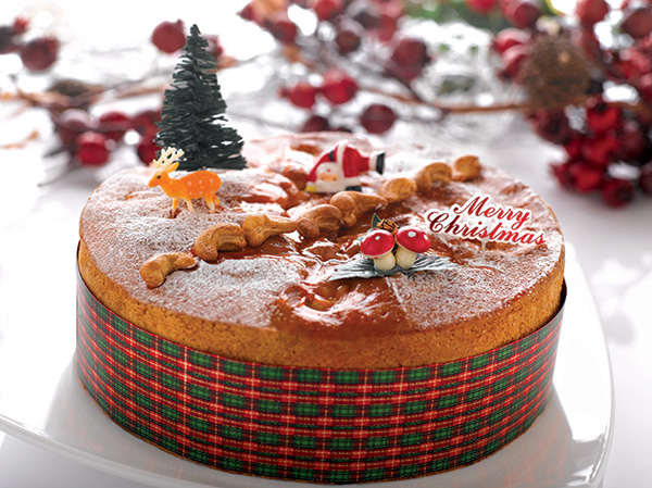 CBTL-Christmas-2013-Holiday-Cakes---Cashewnut-Fruit-Cake