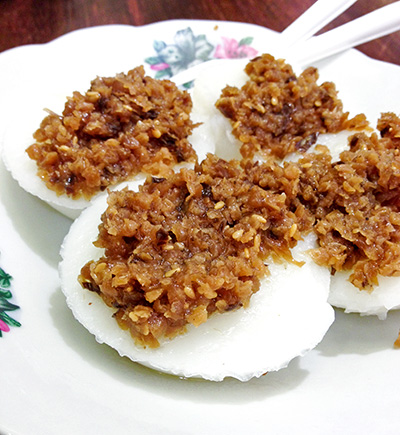 Chwee kueh, S$1.50 for 4 pieces.